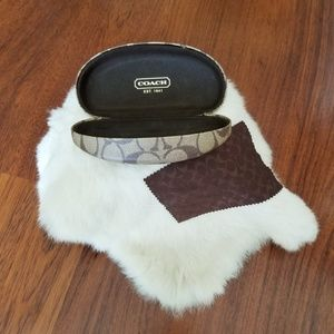 Coach Sugnature Sunglass Case w/Polishing Cloth